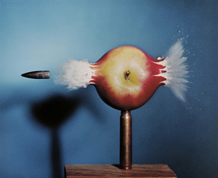 harold-edgerton-bullet-piercing-an-apple